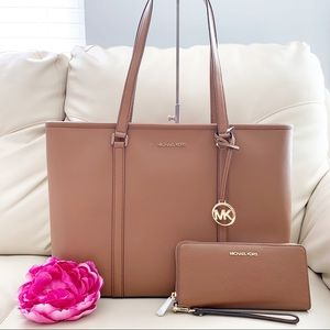 NWT Michael Kors Laptop Tote and Wallet Set